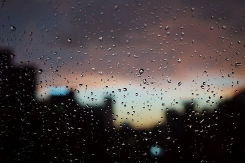 raindrops-546254_1920_res.jpg