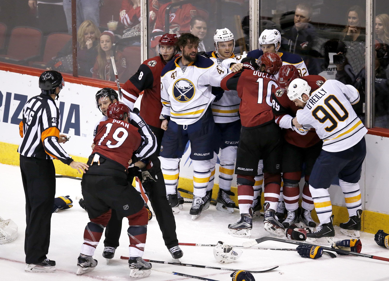 sabres_coyotes_hockey-f4c0cd83f2b146c3a4_r5713.jpeg