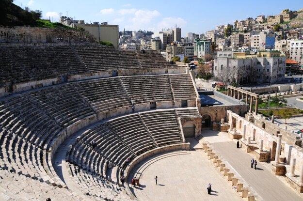 Pohľad na Ammán z rímskeho divadla