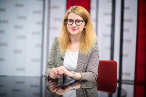 Karolína Farská v relácii Rozhovory ZKH.
