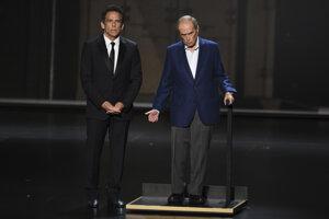 Ben Stiller (vľavo) a Bob Newhart.