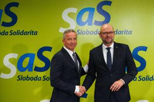 Václav Mika a Richard Sulík pri predstavovaní návrhu kandidátky.