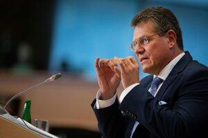 Slovenský eurokomisár Maroš Šefčovič odpovedá na otázky počas vypočúvania v Európskom parlamente 30. septembra 2019.