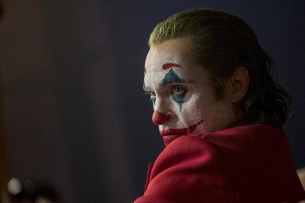 Herec Joaquin Phoenix ako Joker.