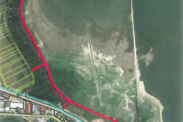 Červenou farbou je zvýraznená trasa náučného chodníka.