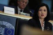 Na snímke česká eurokomisárka pre spravodlivosť a rodovú rovnosť Věra Jourová (hodnoty a transparentnosť) počas vypočutia národných nominantov na eurokomisárov a podpredsedov budúcej Európskej komisie v Bruseli 7. októbra 2019.