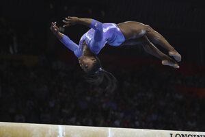 Simone Bilesová na MS v športovej gymnastike v Stuttgarte.