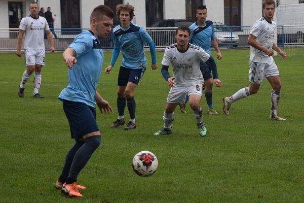 Futbalistom od Oravskej priehrady sa strelecky nedarí. Z Krásna si však doviezli bod za bezgólovú remízu.