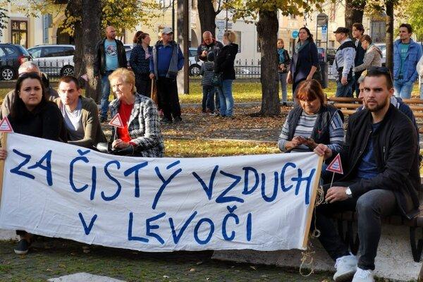 Levočania v uliciach znovu protestovali.