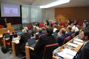 O obnove gymnázia a vybudovaní novej školy rozhodli poslanci PSK na októbrovom zasadnutí.
