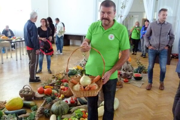 Vrútočan Peter Belica si zeleninu dopestuje, nemusí ju kupovať.