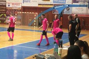 Futsalisti Prievidze v zápase proti Leviciam.