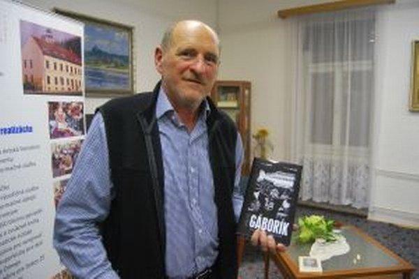 Pavol Gáborík napísal knihu o svojom slávnom synovi