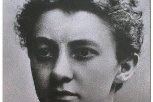 Anna Honzáková (1875 – 1940) prvá promovaná lekárka v Čechách, aktivistka za vzdelávanie a za volebné právo žien. V roku1937 založila Fond Anny Hozákové – Hlaváčove pre starobu a choroby práce neschopných žien, do ktorého vložila veľkú časť osobného majetku. Vyslúžila si prezývku Matka matiek.