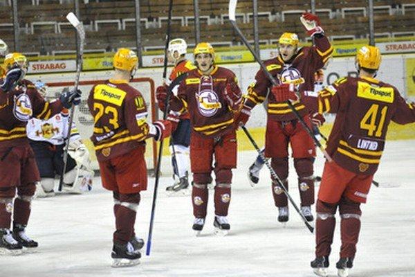 Trenčania sa v Poprade radovali z gólu päťkrát a zaslúžene zvíťazili.