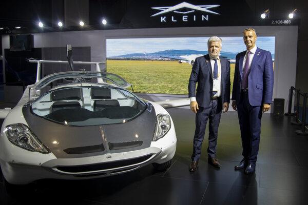 Štefan Klein a vicepremiér Richard Raši v Číne.