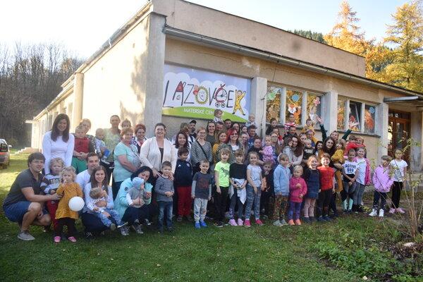 Vďaka projektu, s ktorým prišli aktívne maminy z Lazov pod Makytou, sa upevnili vzťahy, buduje sa super komunita.