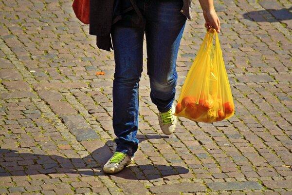 Tvoriť menej odpadu je rovnako dôležité ako ho triediť a recyklovať.