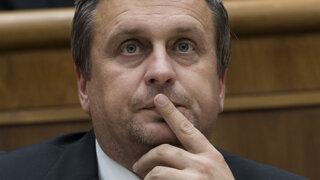 Danko chce štát ďalej zadlžovať, Slováci sú jasne proti (prieskum)