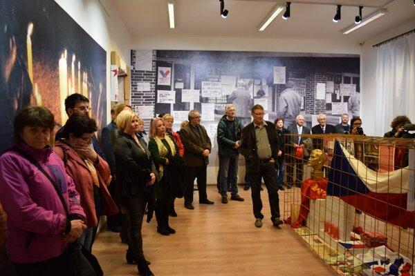 Vernisáž výstavy Nežná v Mestskom múzeu.