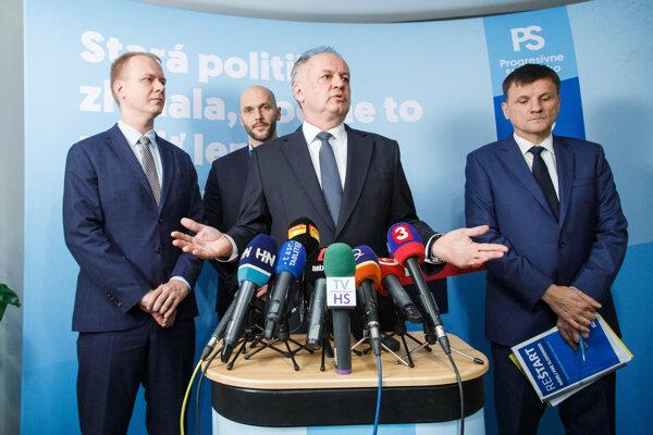 Kto z nich je líder opozície? pýta sa Hrabko.