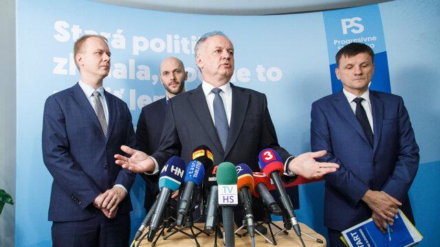 Zľava Miroslav Beblavý, Michal Truban, Andrej Kiska a Alojz Hlina počas brífingu k dohode medzi stranou Za ľudí, PS/SPOLU a KDH o neútočení.