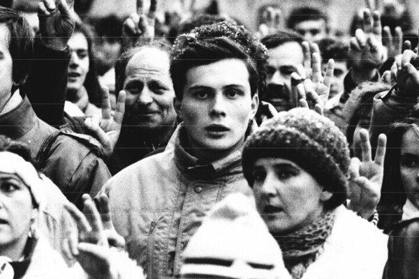 Výrez z fotografie Petra Kalenského z roku 1989.