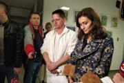 Včera nemocnicu navštívila aj ministerka zdravotníctva Andrea Kalavská, na fotke s medicínskym Mariánom Bakošom.