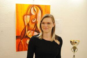 Veronika Očipová na svojej výstave.