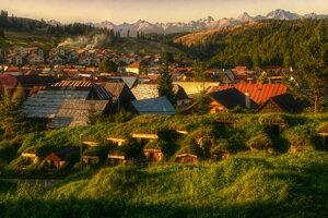 1. miesto - Martin Bugár: Zemiakové pivničky z Liptovskej Tepličky s výhľadom na Tatry (kategória Kultúra a tradície).
