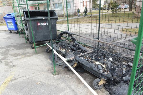 Kosit vymieňa zhorené kontajnery do 48 hodín.