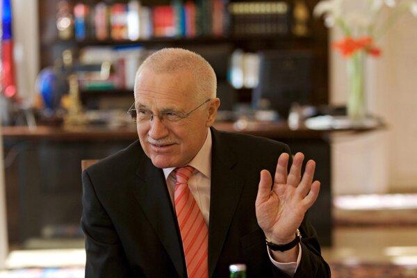 Václav Klaus bol posledný prezident, ktorý zmluvu podpísal. Pod veľkým tlakom aj Ústavného súdu.