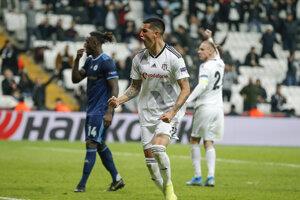 Enzo Roco po strelenom góle v zápase K-skupiny Európskej ligy 2019/2020 Besiktas Istanbul - ŠK Slovan Bratislava.