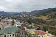 Pohľad na mesto Gelnica z veže baníckeho múzea.