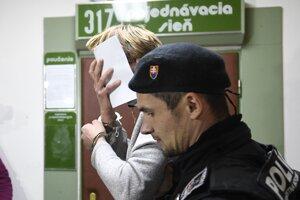 Obvinený v súvislosti s výbuchom v Prešove na okresnom súde, ktorý rozhoduje o ich väzbe.