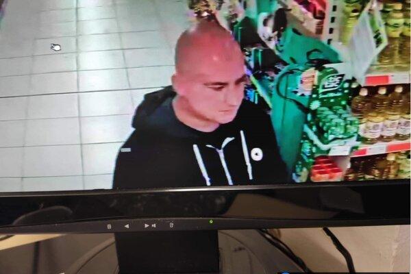 Páchateľa zachytila kamera