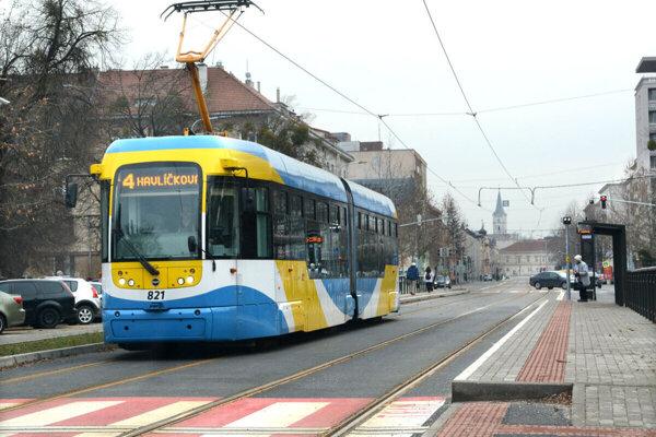 Električkové trate v Košiciach už prešli troma etapami modernizácie. Čaká ich štvrtá v poradí.