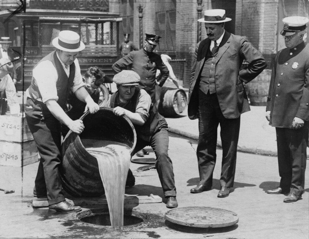 Prohibícia zasiahla najmä nižšie sociálne vrstvy, ktoré si nelegálny alkohol nemohli dovoliť.