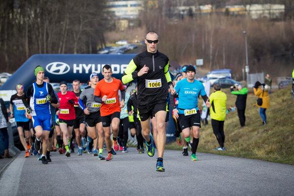 Miroslav Ilavský (vpredu) vyhral polmaratón.