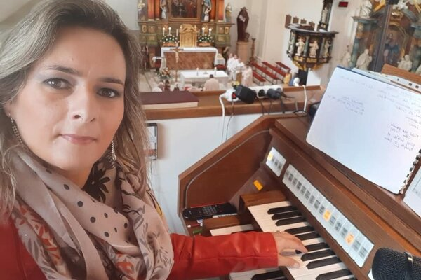 Anna Holíncová