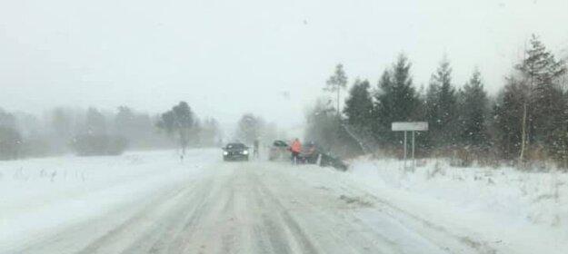 Autá vyleteli z cesty pri Spišskej Belej.