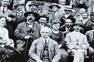 Účastníci prvého valného zhromaždenia.