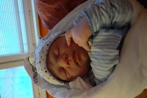Šimon Stopka (3340 g, 49 cm) sa narodil 22. decembra.