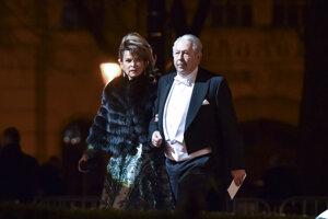 Podnikateľka Mária Reháková prichádza s manželom, Ladislavom