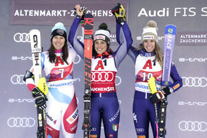 Zľava Wendy Holdenerová, Federica Brignoneová a Marta Bassinová.