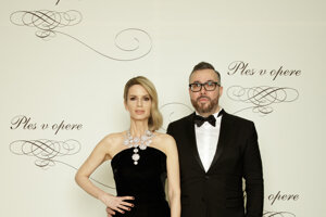 Zuzana Kanisová, módna stylistka a Michal Borec, riaditeľ marketingu a PR Televízie Markíza