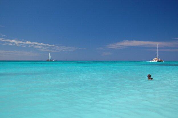 Dominikánska republika je explóziou farieb mora.