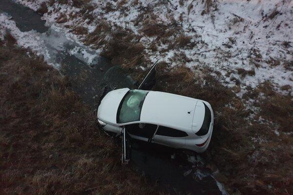 Pri dopravnej nehode sa nikto nezranil.