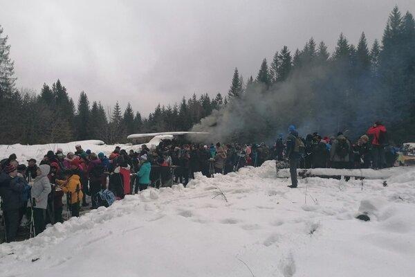 Striebornej Podkovy v Krivej sa registrovalo 1289 ľudí.