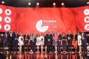 Víťazi minuloročného udeľovania ocenenia Via bona Slovakia 2018.